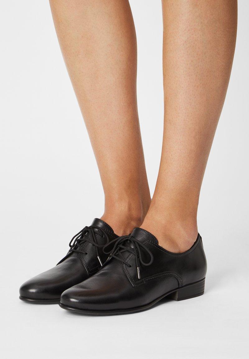 Tamaris - Šněrovací boty - black