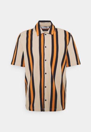 KVISTBRO  - Shirt - golden ochre