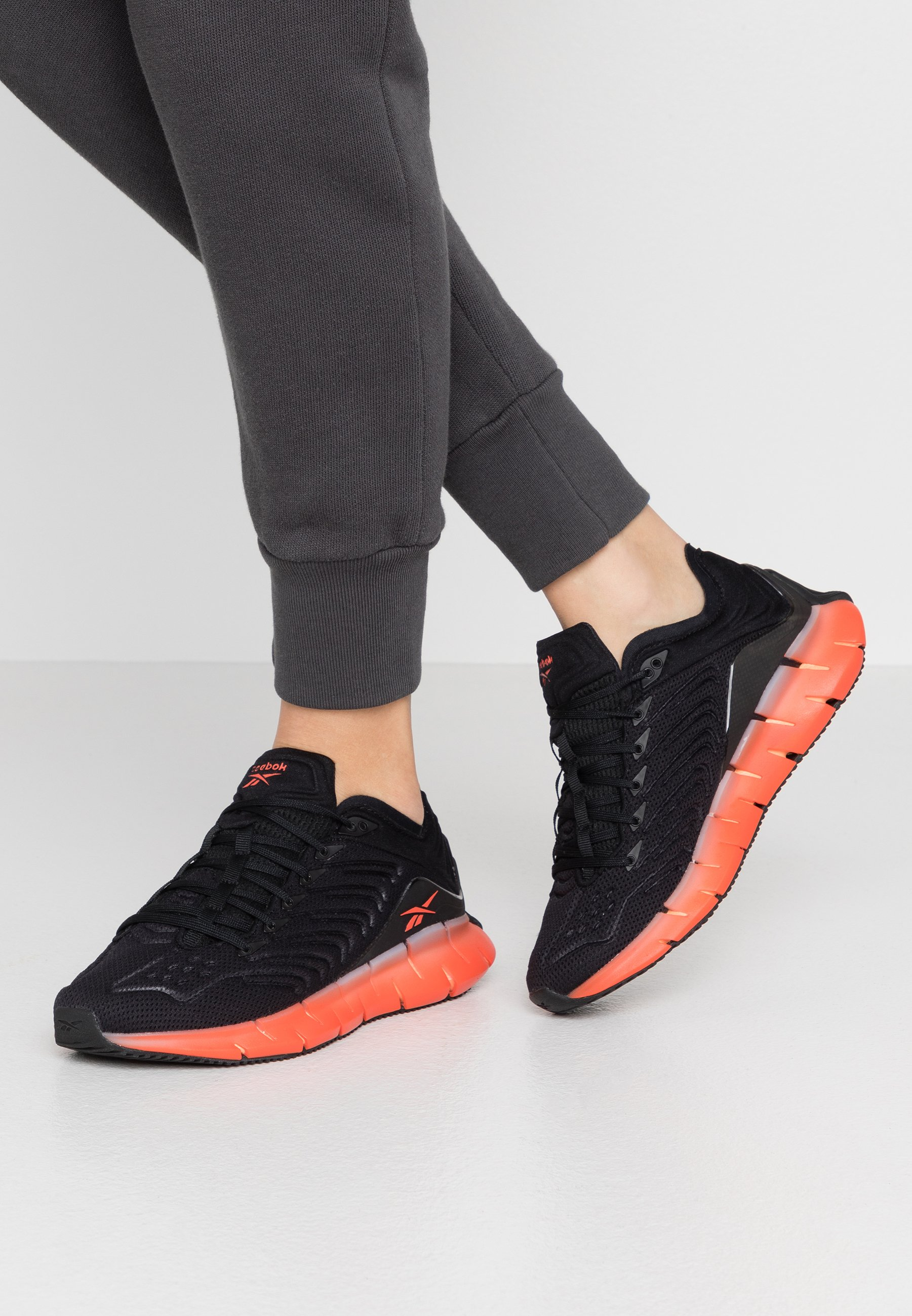Reebok Classic ZIG KINETICA Joggesko blacksun orange