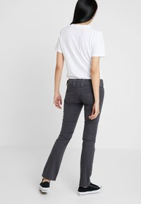 Pepe Jeans - VENUS - Trousers - granite - 2
