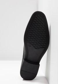 Jacamo - TOE CAP DERBY SHOE - Smart lace-ups - black - 4