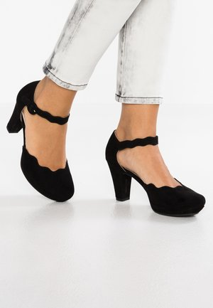 Plateaupumps - black