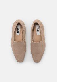 ZIGN Wide Fit - Nazouvací boty - beige - 5