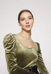 Monki - OLISA - Long sleeved top - khaki green - 3
