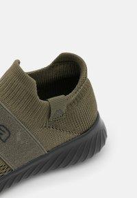 Kappa - PEC UNISEX - Chaussures d'entraînement et de fitness - army/black - 5