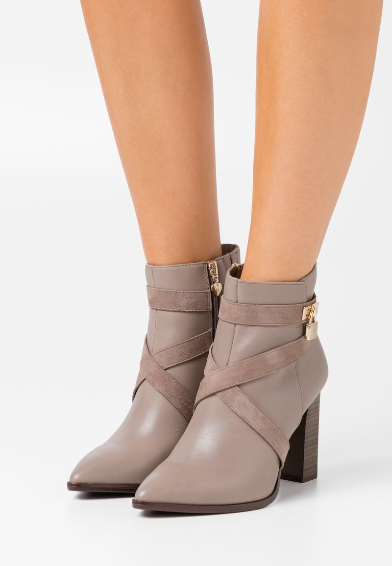Tamaris Heart & Sole - BOOTS - High heeled ankle boots - taupe
