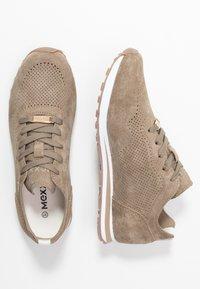 Mexx - CIRSTEN - Sneakersy niskie - taupe - 3