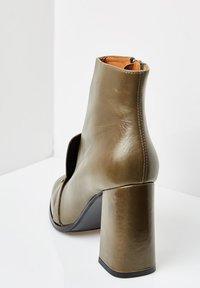 RISA - Ankle boots - grün - 3