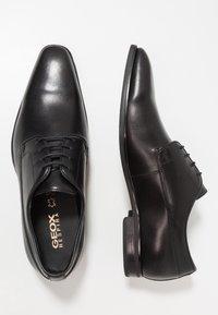 Geox - NEW LIFE - Business sko - black - 1