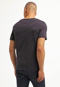 YOURTURN - 5 PACK - Basic T-shirt - black - 2
