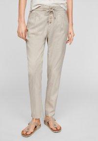 Q/S designed by - REGULAR FIT - Pantalon classique - beige - 0