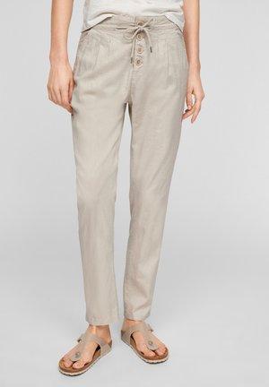 REGULAR FIT - Trousers - beige