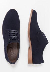 Zalando Essentials - Smart lace-ups - dark blue - 1
