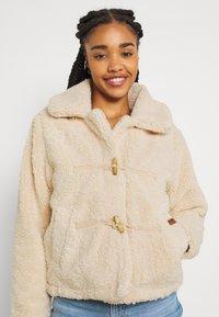 Roxy - RAISE THE BAR - Winter jacket - natural - 3