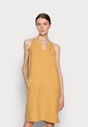 Denní šaty - sweet corn