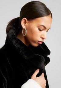 Gina Tricot - EVERLYN COAT - Zimní kabát - black/white - 5