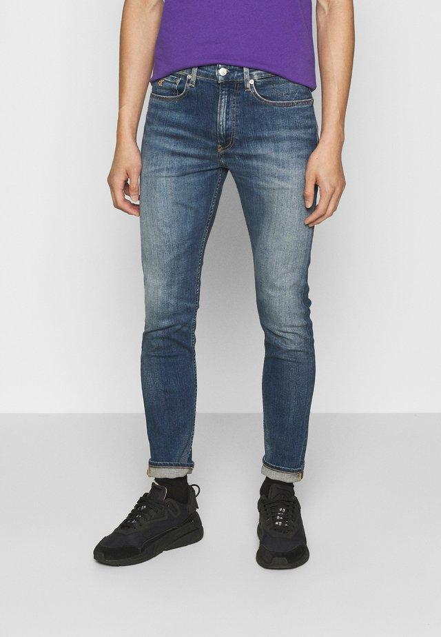 CKJ 016 SKINNY - Jeans Skinny Fit - bright blue