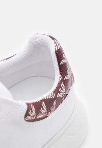Emporio Armani - Zapatillas - white/vinaccia - 6