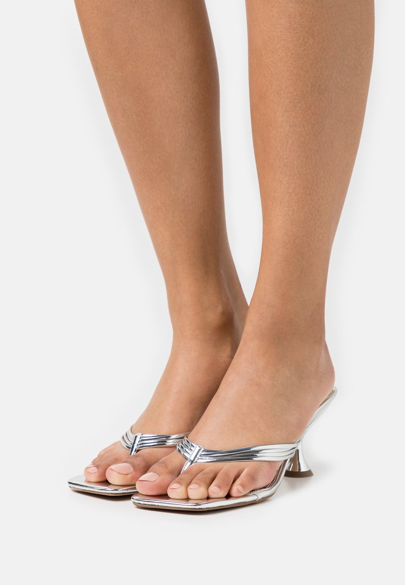 Topshop - NEEVA TOE THONG - T-bar sandals - silver