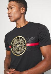 Glorious Gangsta - ALANIS - T-shirt z nadrukiem - black - 4