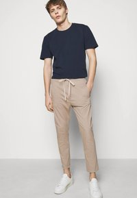 DRYKORN - JEGER - Trousers - beige - 3