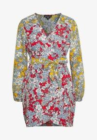 MIXED BALOON WRAP MINI DRESS - Day dress - summer retro floral