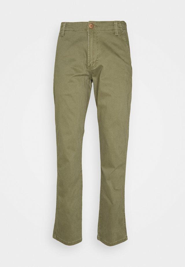 CASEY  - Chino kalhoty - lone tree green