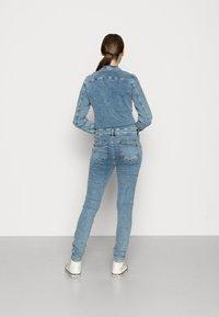 ONLY - ONLCALLI JUMPSUIT - Jumpsuit - light blue denim - 2