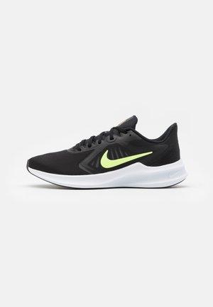 DOWNSHIFTER 10 - Zapatillas de running neutras - black/volt glow/university gold/white