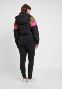 Urban Classics - LADIES MIXED PULL OVER JACKET - Overgangsjakker - black - 2