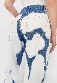 Stradivarius - Straight leg jeans - light blue - 3