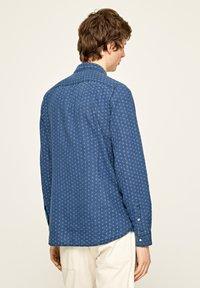 Pepe Jeans - IVAN - Overhemd - indigo blau - 2