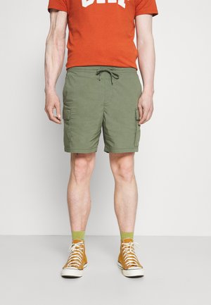 EASY - Shorts - succulent green