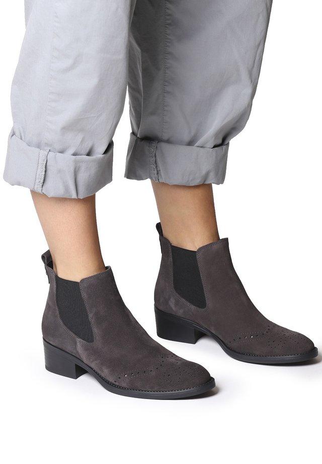 TIVAT-SY - Boots à talons - gris
