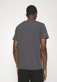 Filippa K - TEE - T-shirt basic - metal - 2