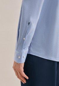 Seidensticker - BUSINESS REGULAR - Shirt - blau - 4