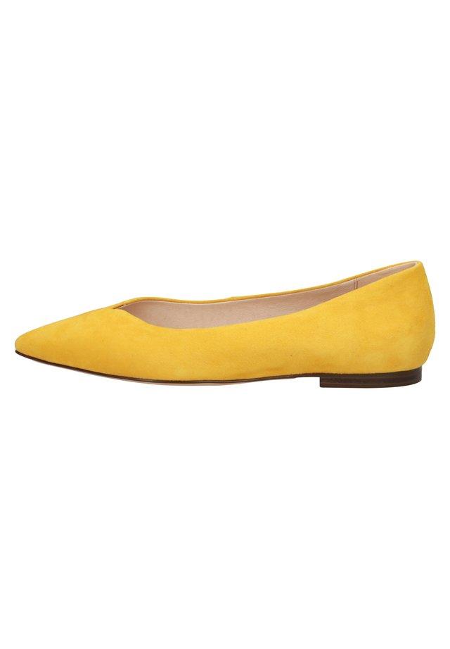 Baleriny - yellow suede