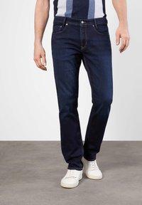 MAC Jeans - Slim fit jeans - dark-blue denim - 0