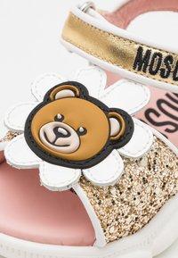 MOSCHINO - Sandals - gold - 5