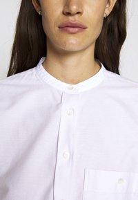 CLOSED - ROWAN - Button-down blouse - rose quartz - 7