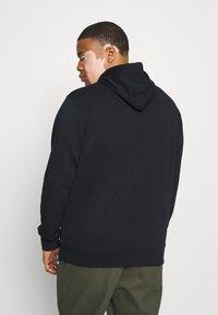 GANT - HOODIE - Sweatshirt - black - 2
