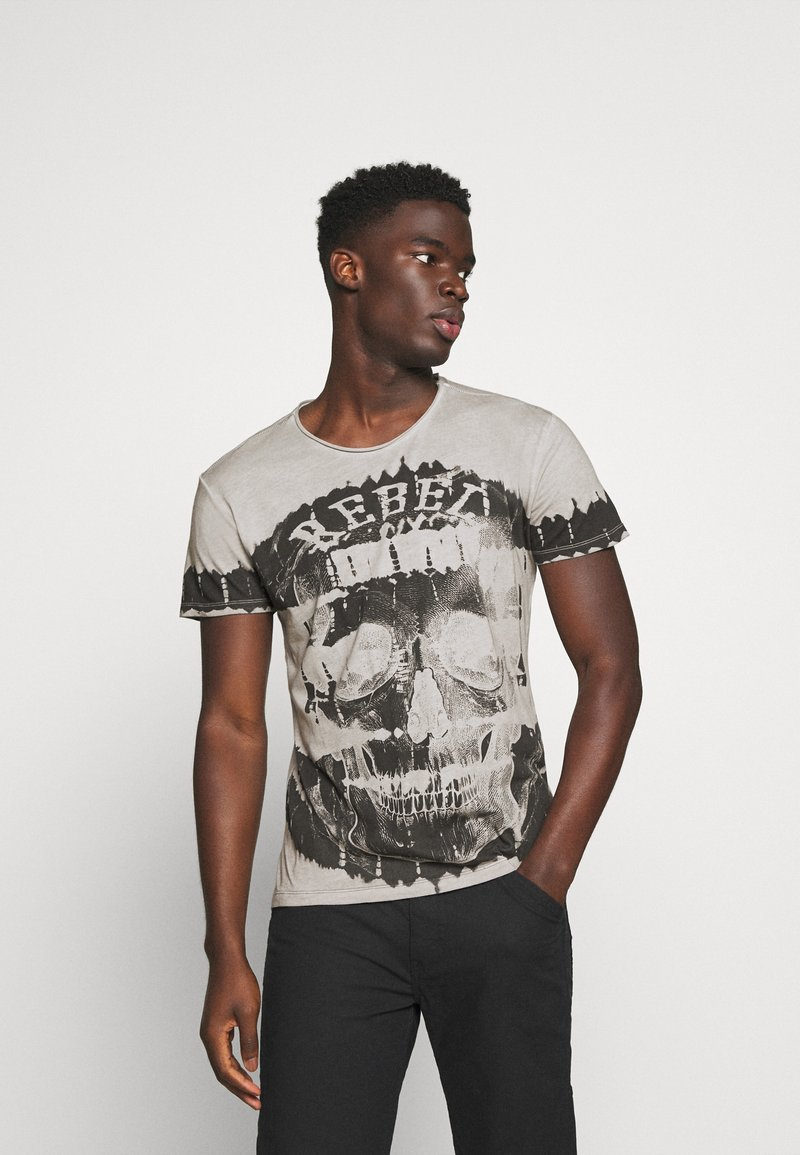 Key Largo - REBEL ROUND - Print T-shirt - silver