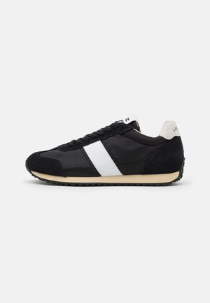 COURT PACE - Trainers - black/offwhite