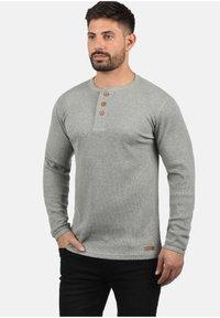 Solid - RUNDHALSSHIRT TOKATO - Long sleeved top - grey melange - 0