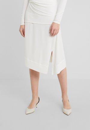 COAXANA - A-Linien-Rock - soft white
