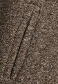 Culture - Klasyczny płaszcz - friar brown - 4