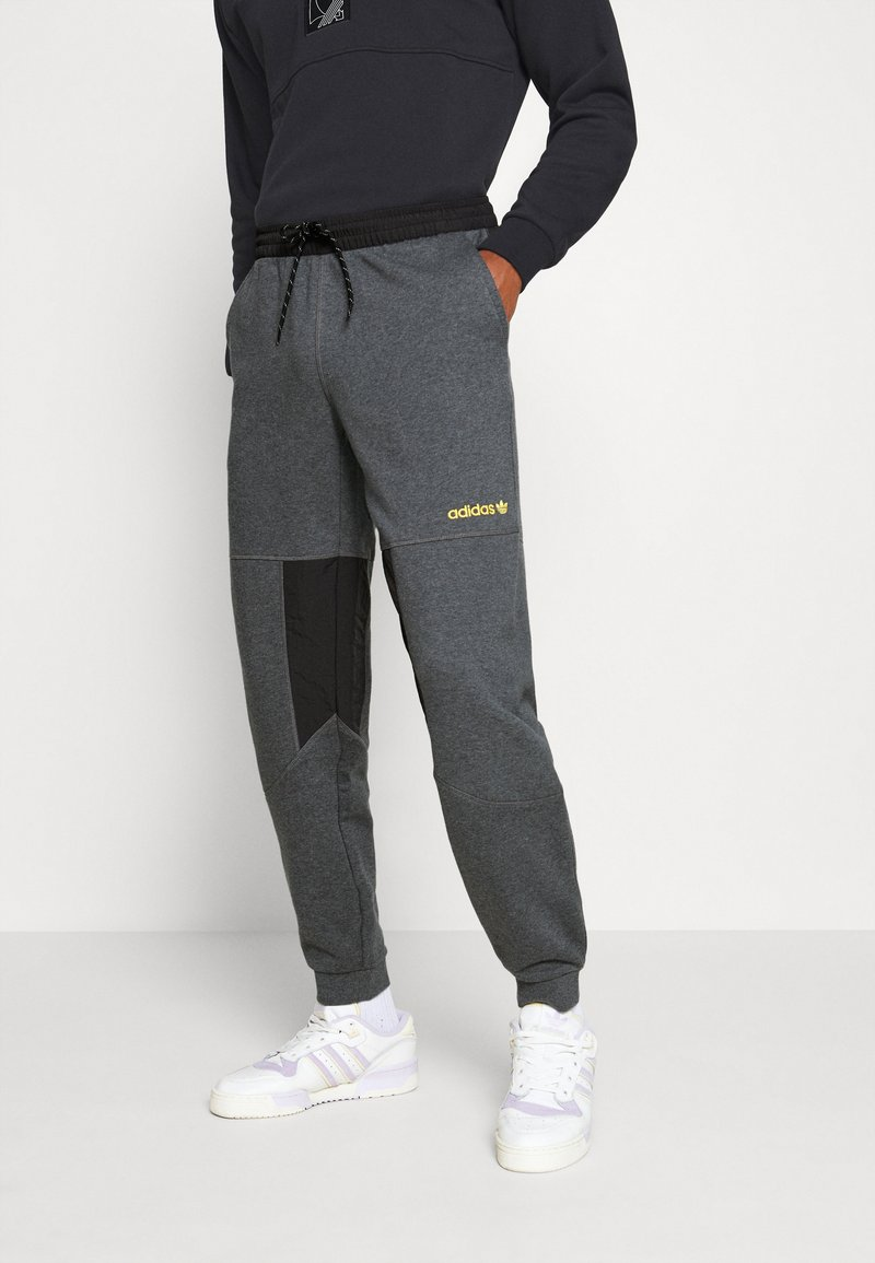 adidas Originals - FIELD PANT - Træningsbukser - dark grey