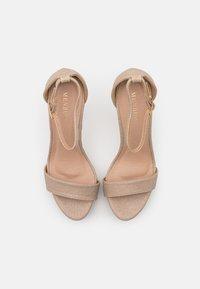 Menbur - Sandaletter - gold - 5