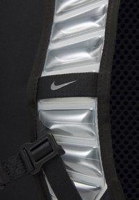Nike Performance - UTILITY ELITE UNISEX - Rucksack - black/enigma stone - 6