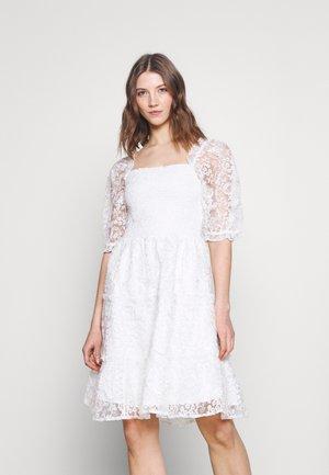 YASBRIANNA SHORT DRESS  - Day dress - star white